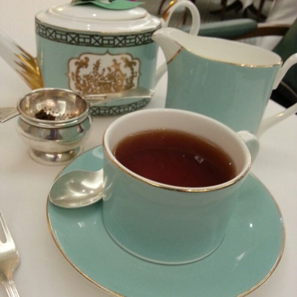 Photo taken at Fortnum & Mason 1707 Wine Bar by FlowerEssence on 3/3/2014