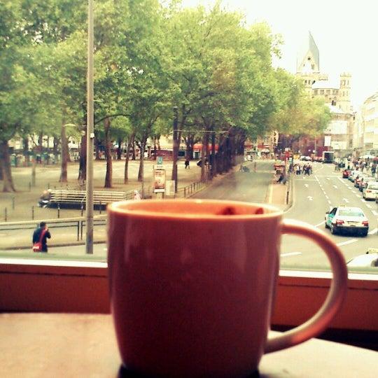 Photo taken at Starbucks by Njuhec on 5/21/2013