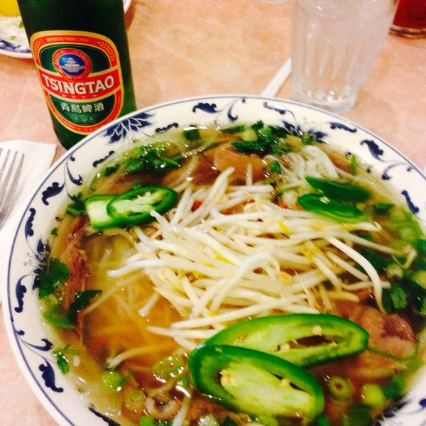 Photo taken at Pho 777 Vietnamese Restaurant by AE ⛳️ on 5/18/2014