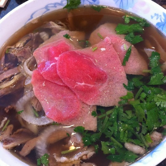 Photo taken at Phở Kim Long by Jennifer Y. on 6/23/2012