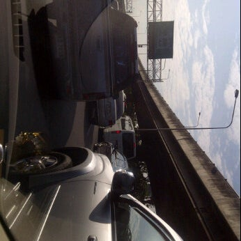 Photo taken at ด่านฯ ดาวคะนอง (Dao Khanong Toll Plaza) by krunrapat s. on 11/14/2011
