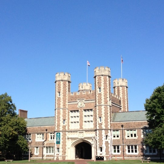 Photo taken at Washington University in St. Louis by Mack B. on 8/21/2012