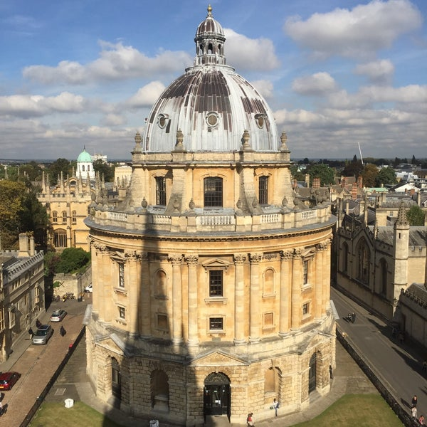 Photo taken at Radcliffe Camera by fox_2002 on 10/23/2016