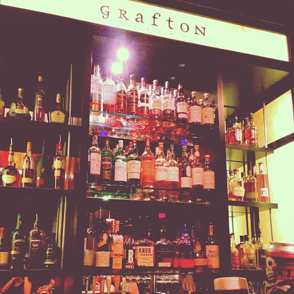 Photo taken at Grafton Street Pub by Natalia Q. on 11/18/2012