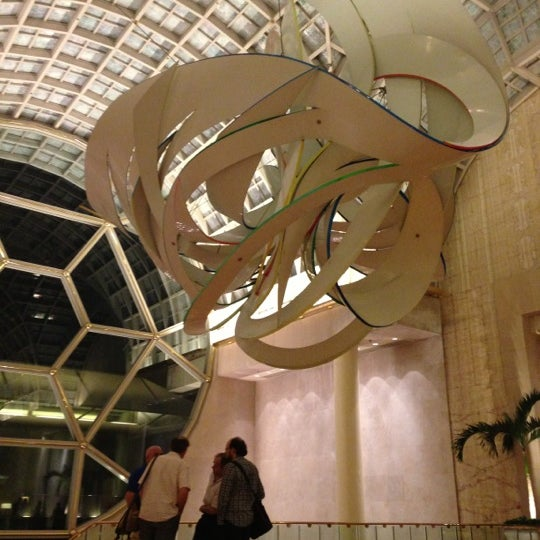 Photo taken at The Ritz-Carlton, Millenia Singapore by Casey L. on 10/21/2012