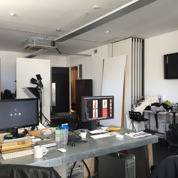 french connection head office office in london. Black Bedroom Furniture Sets. Home Design Ideas