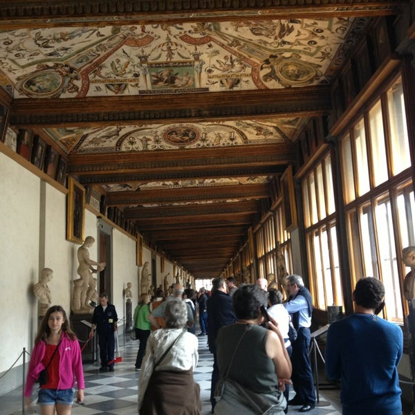 Photo taken at Galleria degli Uffizi by Ksenia N. on 4/20/2013