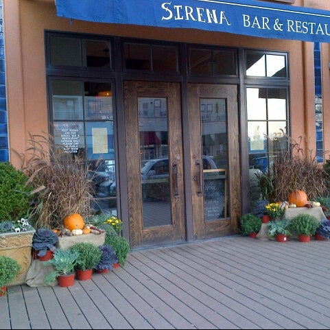 Photo taken at Sirena Ristorante by sutah r. on 9/30/2012
