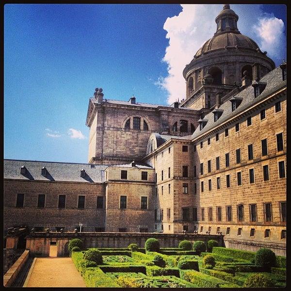 Photo taken at Monasterio de San Lorenzo de El Escorial by Carlos R. on 9/8/2013