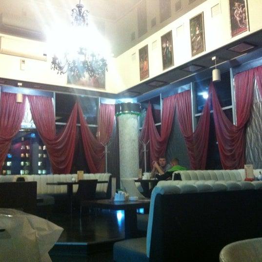11/29/2012 tarihinde Tanya C.ziyaretçi tarafından Кинотеатр «Россия»'de çekilen fotoğraf