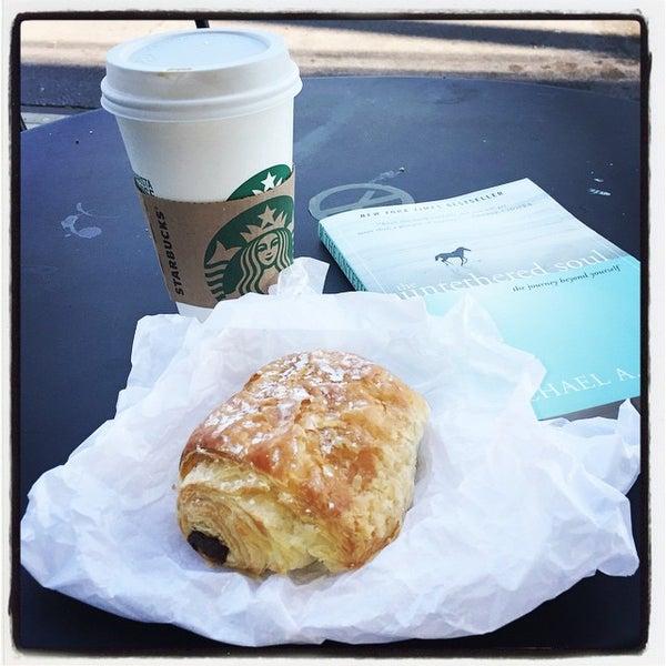 Photo taken at Starbucks by Glo V. on 10/19/2014