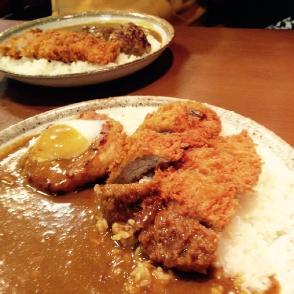 Photo taken at CoCo壱番屋 渋谷区宇田川町店 by JP R. on 10/28/2014