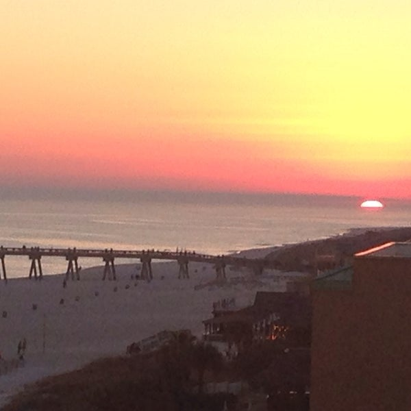 Photo taken at Hilton Pensacola Beach Gulf Front by Tra W. on 2/9/2014