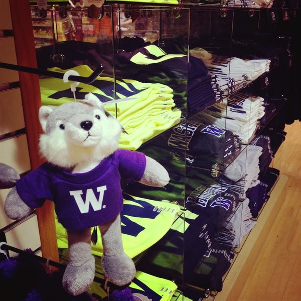 Photo taken at University Bookstore by Jeanie C. on 9/12/2013