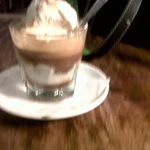 Photo taken at JAVA BEAN Coffee & Resto by Vera f. on 2/28/2014