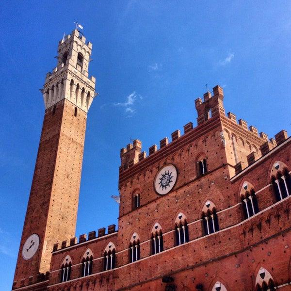 Photo taken at Piazza del Campo by Giulio Alberto B. on 4/13/2013