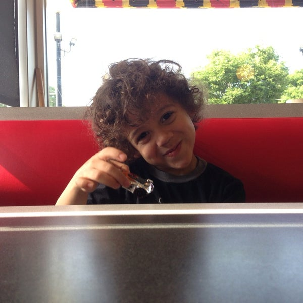 Photo taken at Waffle House by Jason P. on 5/23/2014