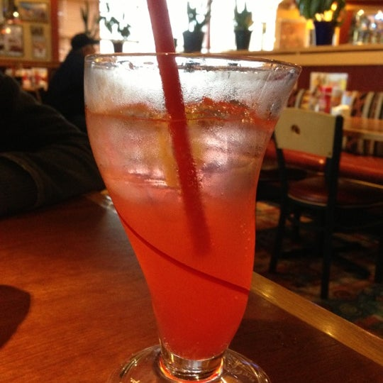 Photo taken at Red Robin Gourmet Burgers by Jeanette B. on 10/27/2012