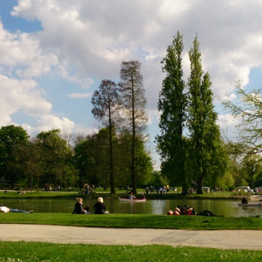 Photo taken at Lac Daumesnil by Nic G. on 5/5/2013