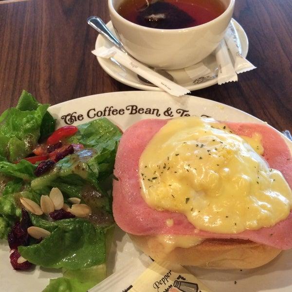 Photo taken at The Coffee Bean by 14Badai on 2/6/2015