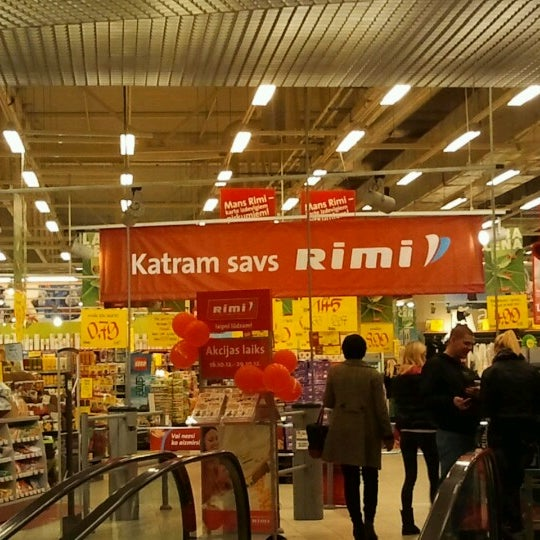 Photo taken at Rimi Hipermārkets [Ostmala] by Maris A. on 10/16/2012