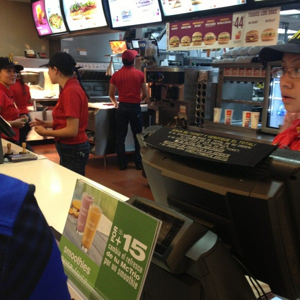 Photo taken at McDonald's by Oscar C. on 1/15/2013