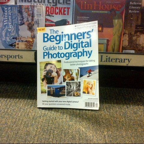 Photo taken at Barnes & Noble by Cesar, Jr. C. on 12/7/2012