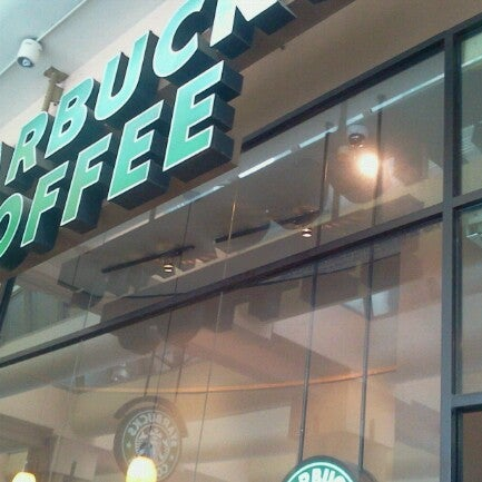 Photo taken at Starbucks by Hirman Evo ®  ™. on 9/25/2012