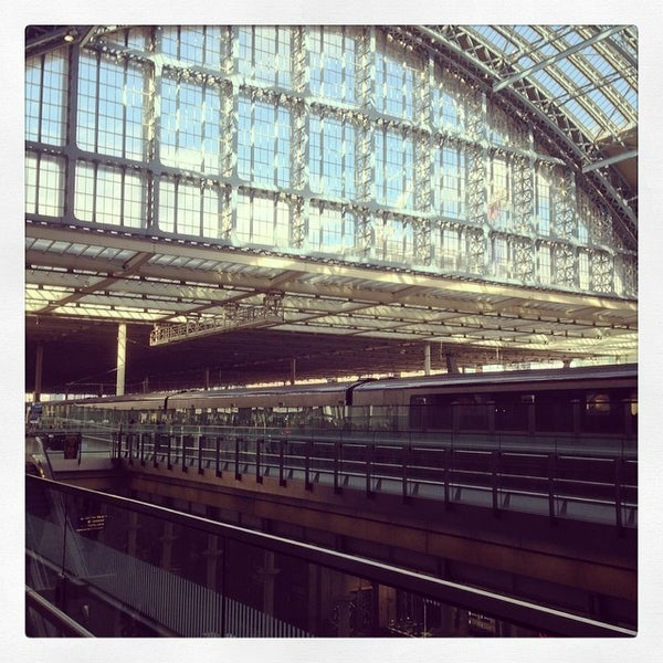 Photo taken at London St Pancras International Railway Station (STP) by Masaki F. on 3/4/2014