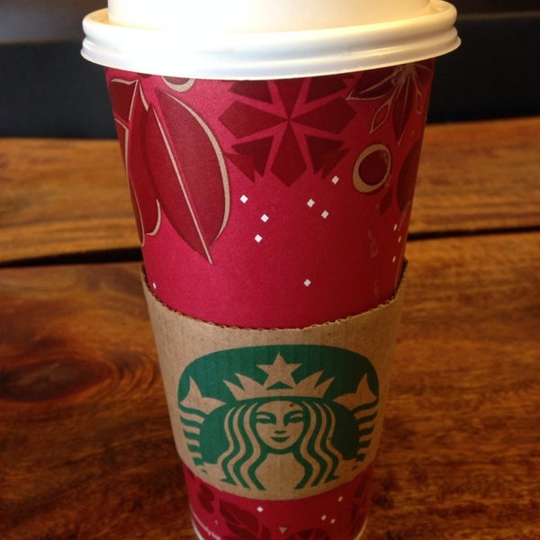 Photo taken at Starbucks by Marina W. on 1/13/2014