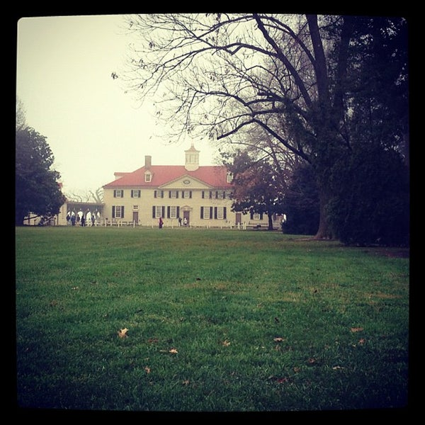 Photo taken at George Washington's Mount Vernon Estate, Museum & Gardens by Anna Grace P. on 12/8/2012