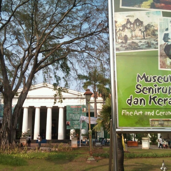 Photo taken at Museum Seni Rupa dan Keramik by Desyane W. on 4/20/2013