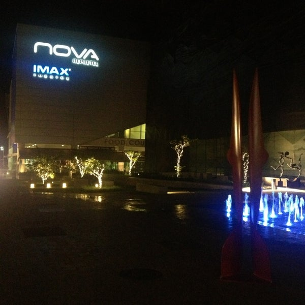 Photo taken at Nova Cinemas by Roberto R. on 12/28/2012