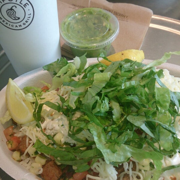 Photo taken at Chipotle Mexican Grill by Tatiana V. on 10/3/2013