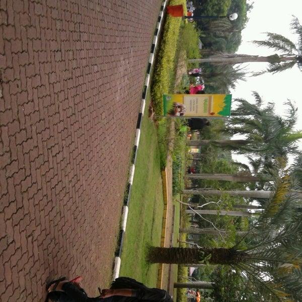 Photo taken at Kebun Binatang Ragunan by Aprian E. on 3/12/2013