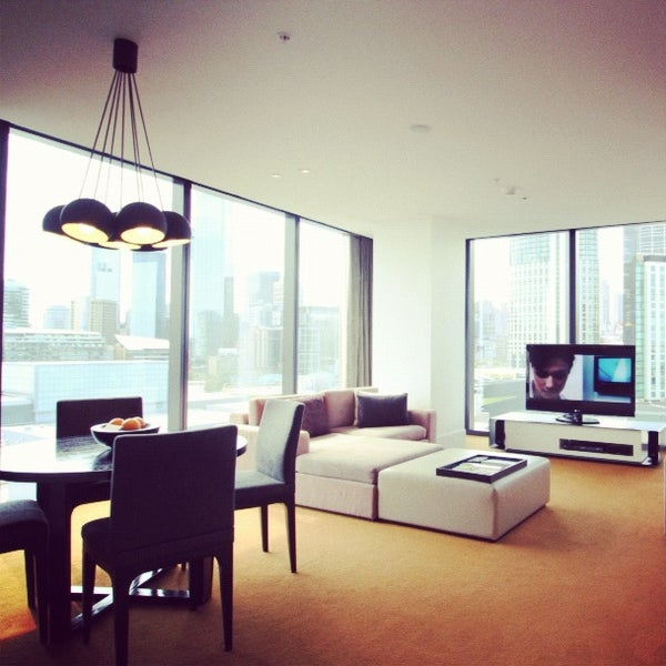 View real guest photos and video of Crown Metropol Melbourne including Loft Suite 1236. Check out the rooms and suites before you check in.