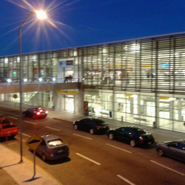 aeropuerto internacional diego aracena iqq airport in