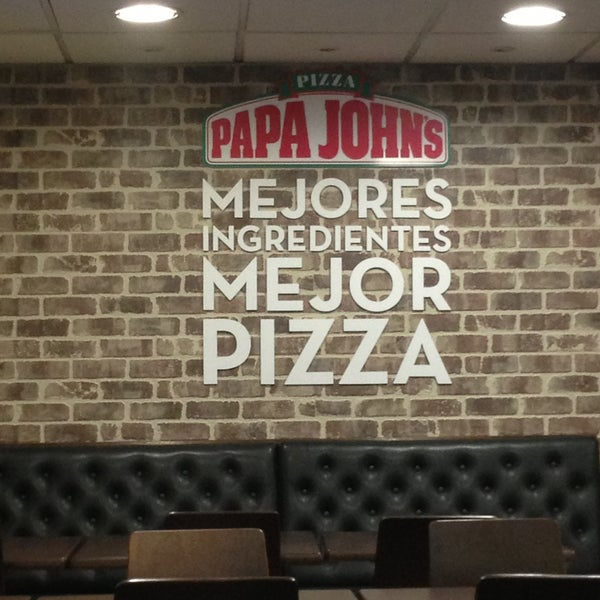 Photo taken at Papa John's by Stephan S. on 4/30/2013