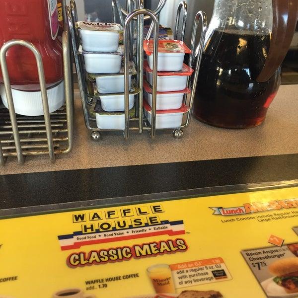 Photo taken at Waffle House by InkedPixie on 10/17/2015