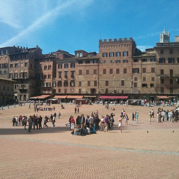 Photo taken at Piazza del Campo by Liz L. on 5/22/2013