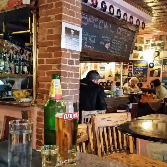 Kvazar bar in zagreb for Food bar zagreb