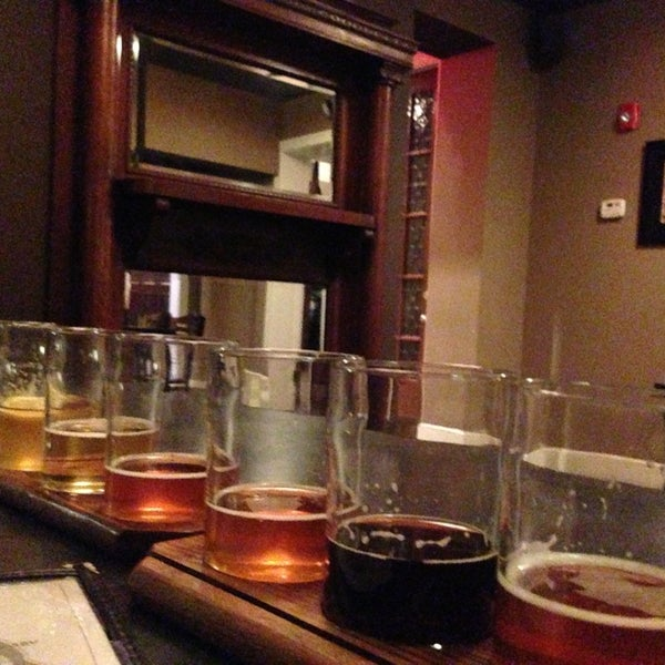 Photo taken at Obed & Isaac's Microbrewery and Eatery by Jeremy T. on 1/27/2013