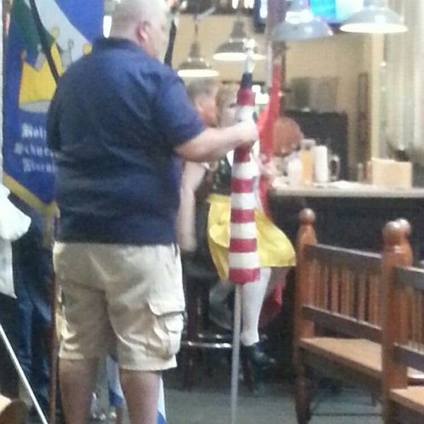 Photo taken at Hofbräuhaus Newport by Linda P. on 6/25/2014