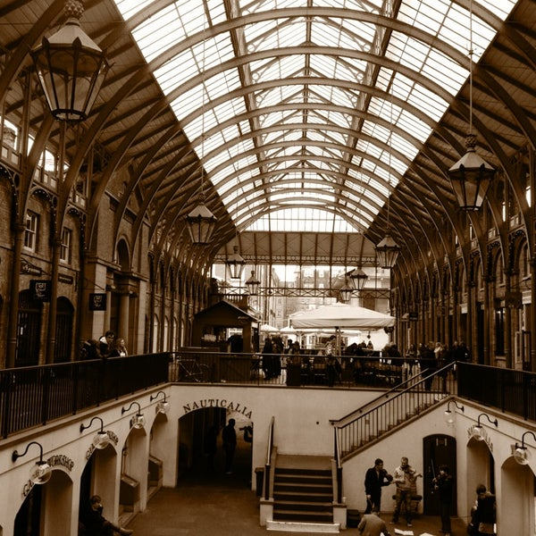 Photo taken at Covent Garden Market by Edilson F. on 4/5/2013