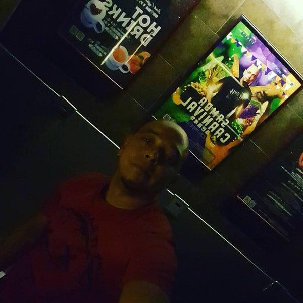 Photo taken at 目的地酒吧 Destination by Edson P. on 12/19/2015