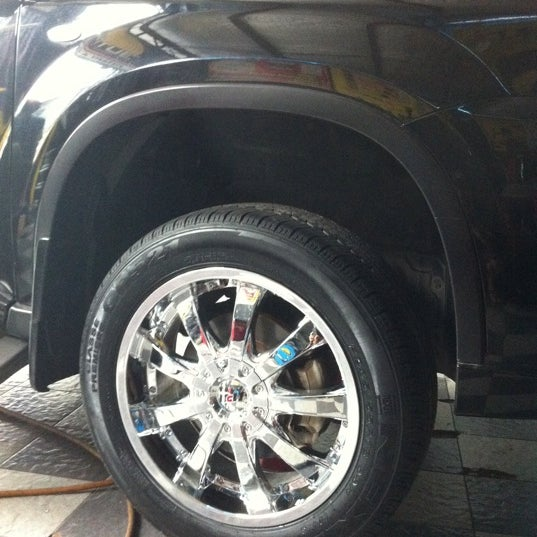 Photo taken at Jogja Speed Auto Care by yudhi p. on 11/8/2012