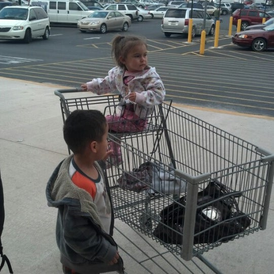 Photo taken at Walmart Supercenter by Jennifer D. on 10/25/2012