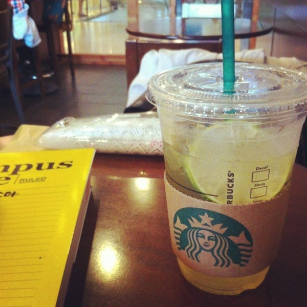 Photo taken at Starbucks by A Young Y. on 5/13/2013
