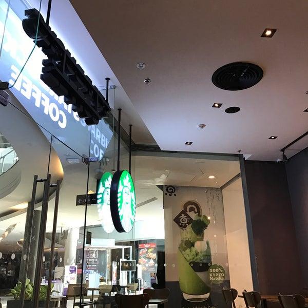 Photo taken at Starbucks by Taneka N. on 11/23/2016