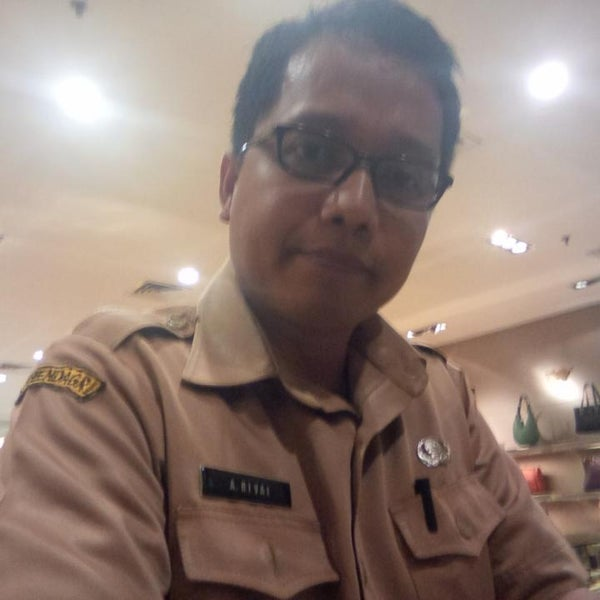 Photo taken at Pondok Indah Mall 2 by Ahmad R. on 2/25/2014